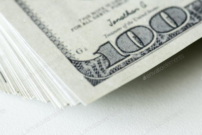 Nahaufnahme von hundert Dollar-Scheine