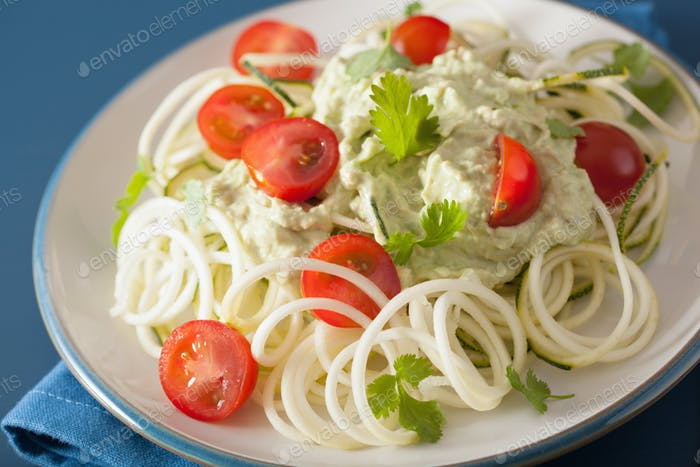 spiralized courgette salad with avocado dressing, healthy vegan
