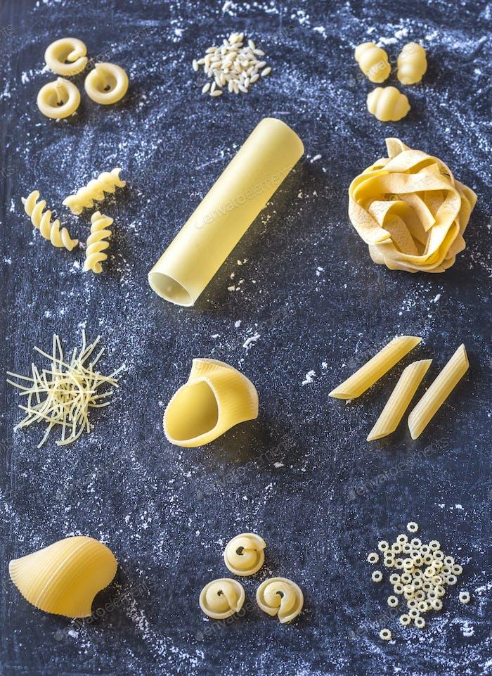 Various types of raw pasta