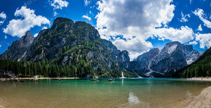 Pragser See in den Dolomiten, Italien Alpen